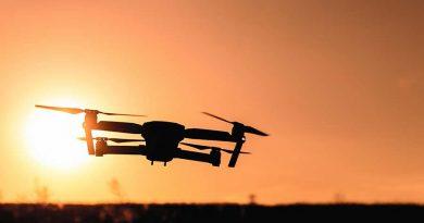 Jaki dron na początek? Cechy dronów i ranking